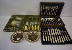 A Small Mixed Lot of Silver Plated Wares, to include cased and loose cutlery, pair of wine slides