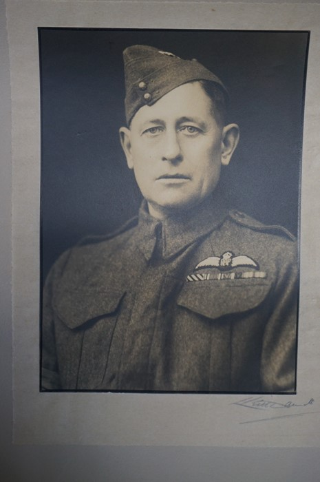 Lot 39 - A Mixed Lot of Collectables and Military Ephemera, to include photo album, loose photographs,