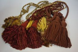 Quantity of Assorted Curtain Ties and Accesories,