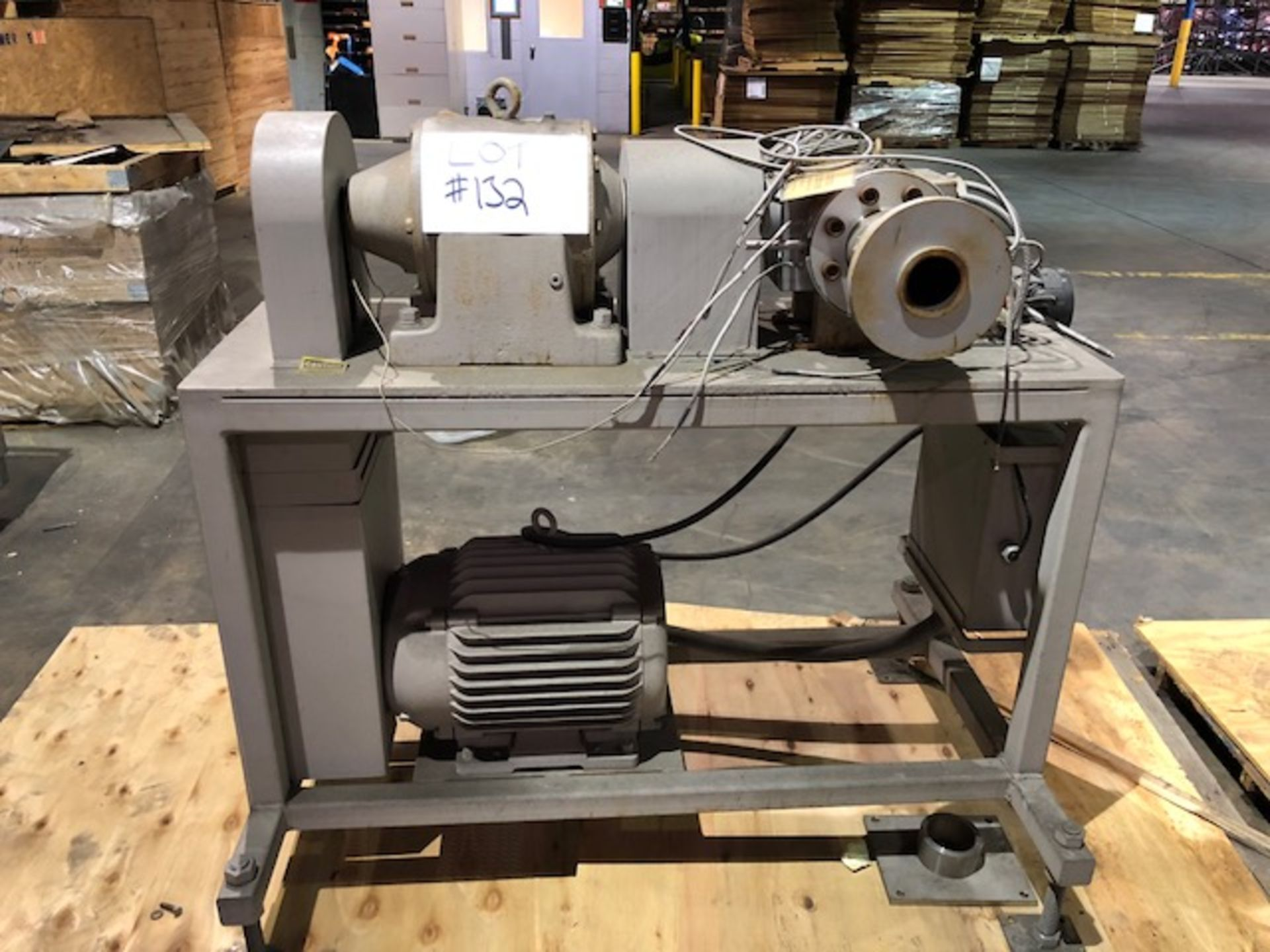 Lot 132 - LCI Extrusion Pump with control cabinet