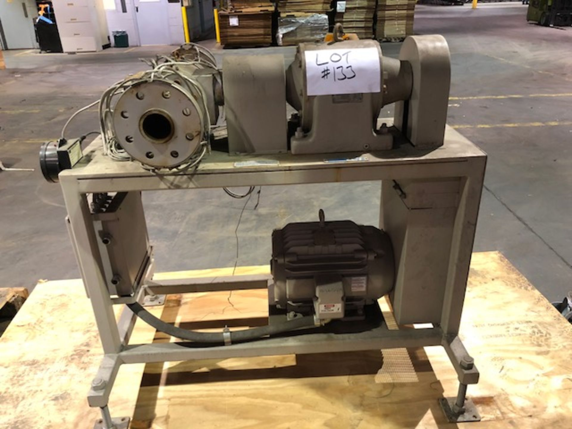 Lot 133 - LCI Extrusion Pump with control cabinet