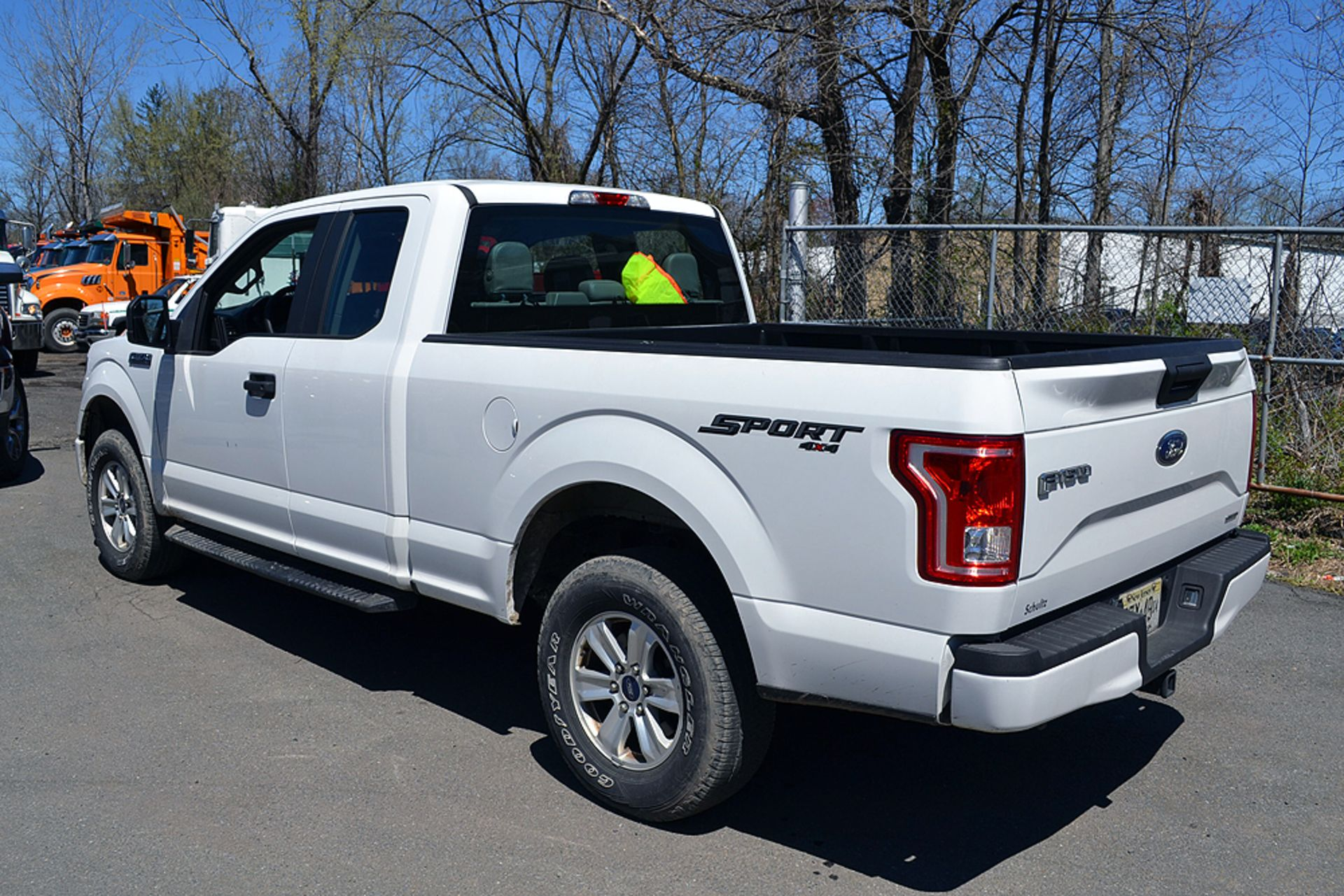 Lot 14 - 2015 Ford F150 Lariat SuperCab, 4WD Pick Up Truck