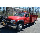 Lot 16 - 2002 Chevrolet 3500 Utility Body Service Truck