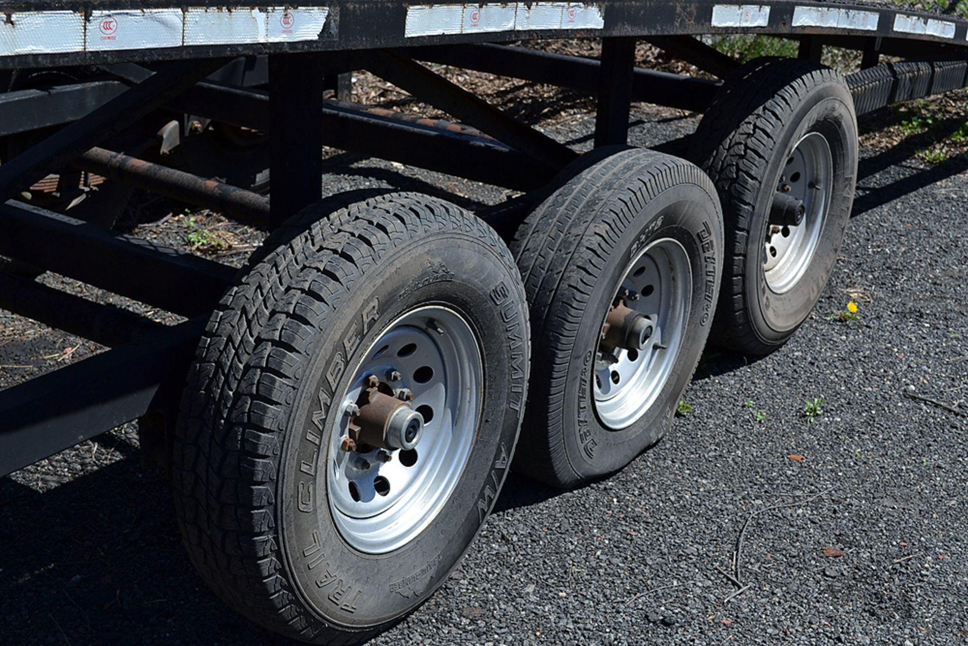 Lot 21 - 3-Car Fifth Wheel Trailer
