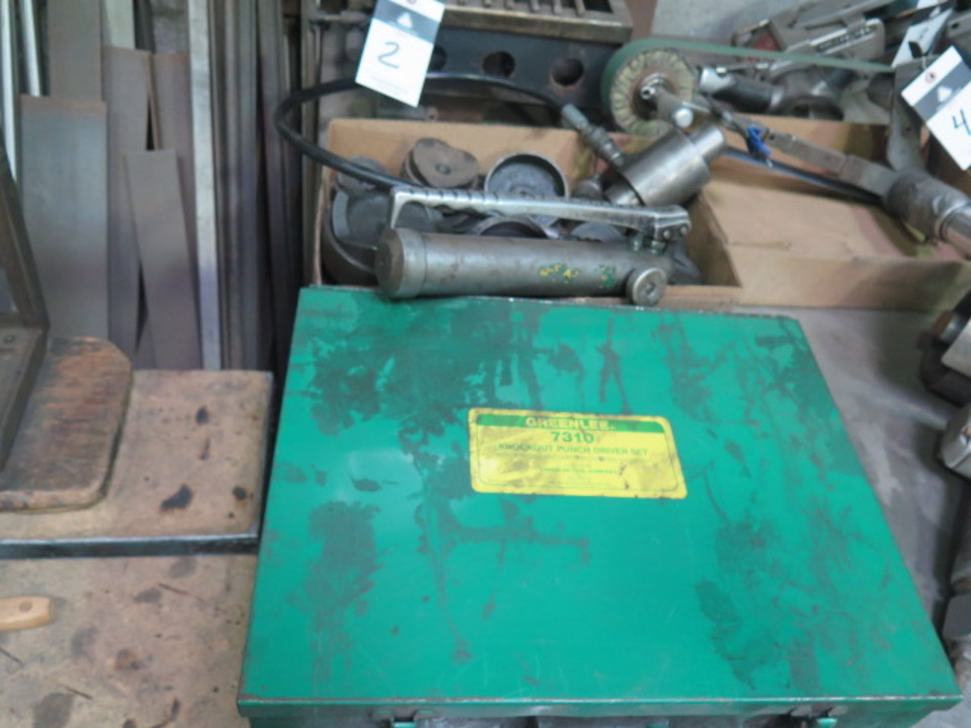 Lot 1 - Greenlee 7310 Hydraulic Knockout Punch Driver Set