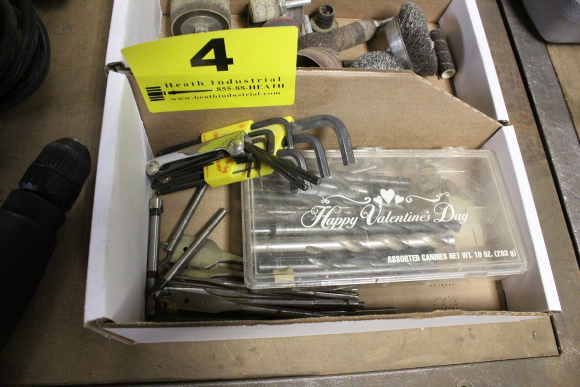 Lot 4 - ASSORTED DRILL BITS, BORING BITS AND ALLEN WRENCHES IN BOX