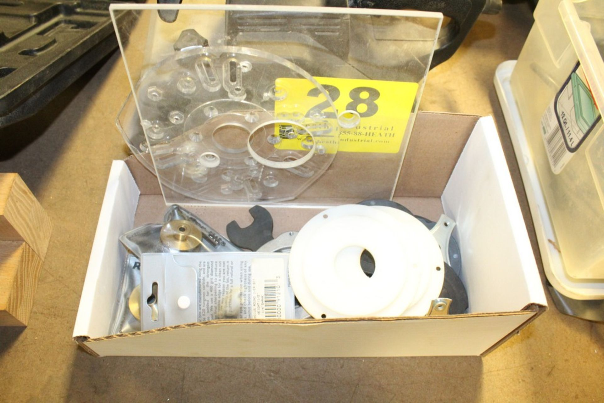 Lot 28 - ASSORTED ROUTER ACCESSORIES IN BOX