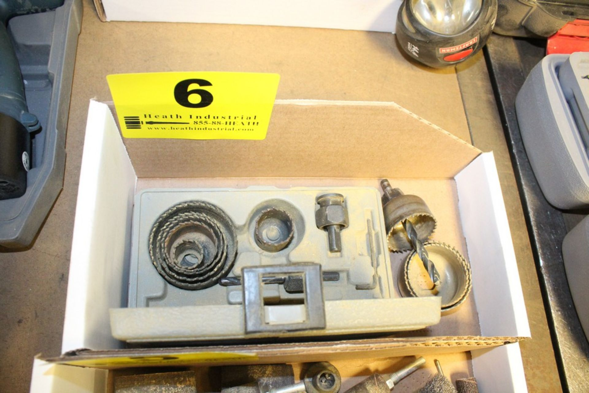 Lot 6 - ASSORTED HOLE SAWS IN BOX