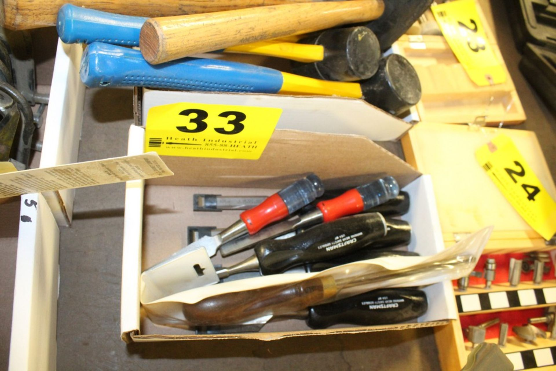 Lot 33 - ASSORTED WOOD CHISELS IN BOX