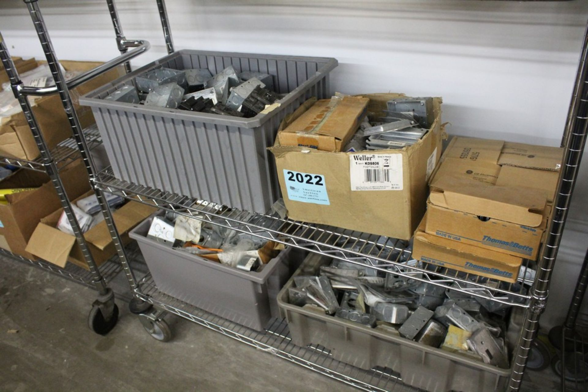 Lot 2022 - WIRING COMPONENTS ON SHELF