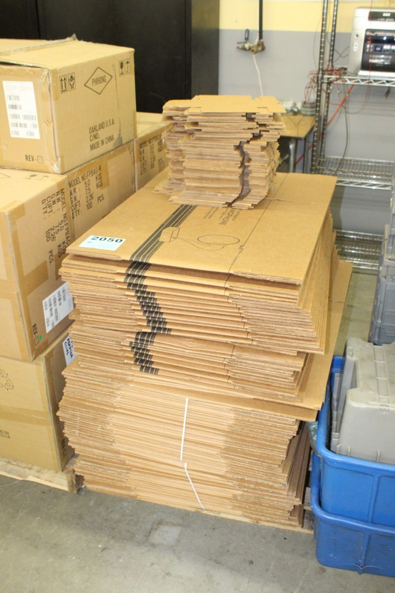 Lot 2050 - CARDBOARD SHIPPING BOXES ON SKID