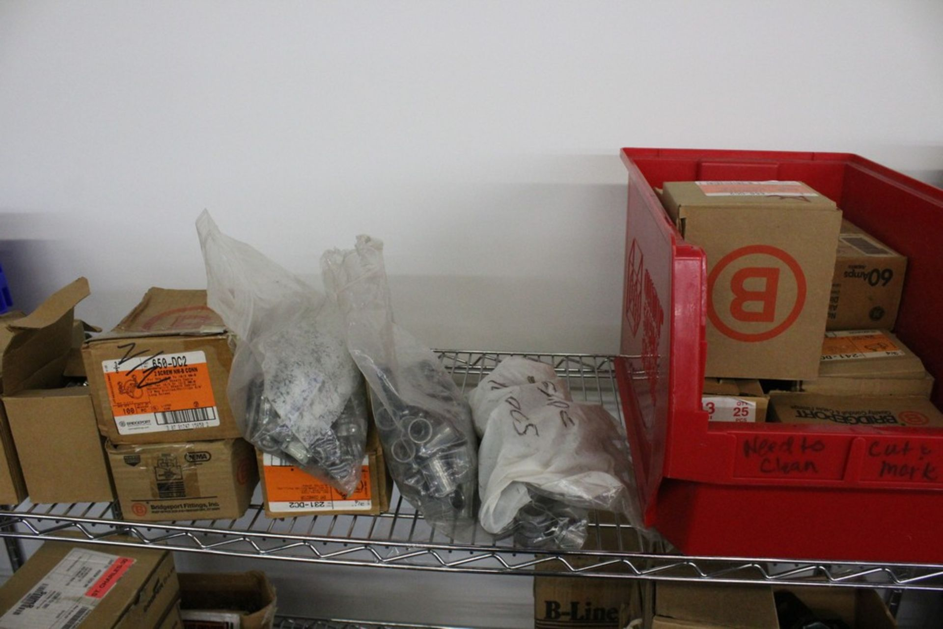 Lot 2019 - WIRING COMPONENTS ON SHELF