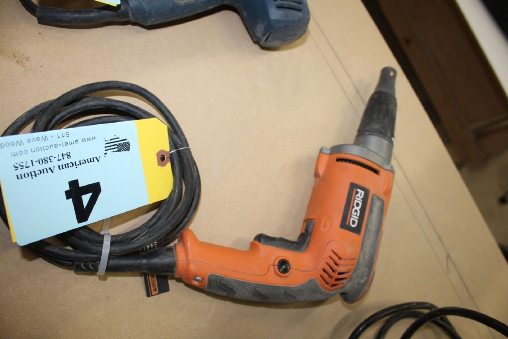 Lot 4 - RIDGID MODEL R6000-1 DRYWALL SCREW GUN