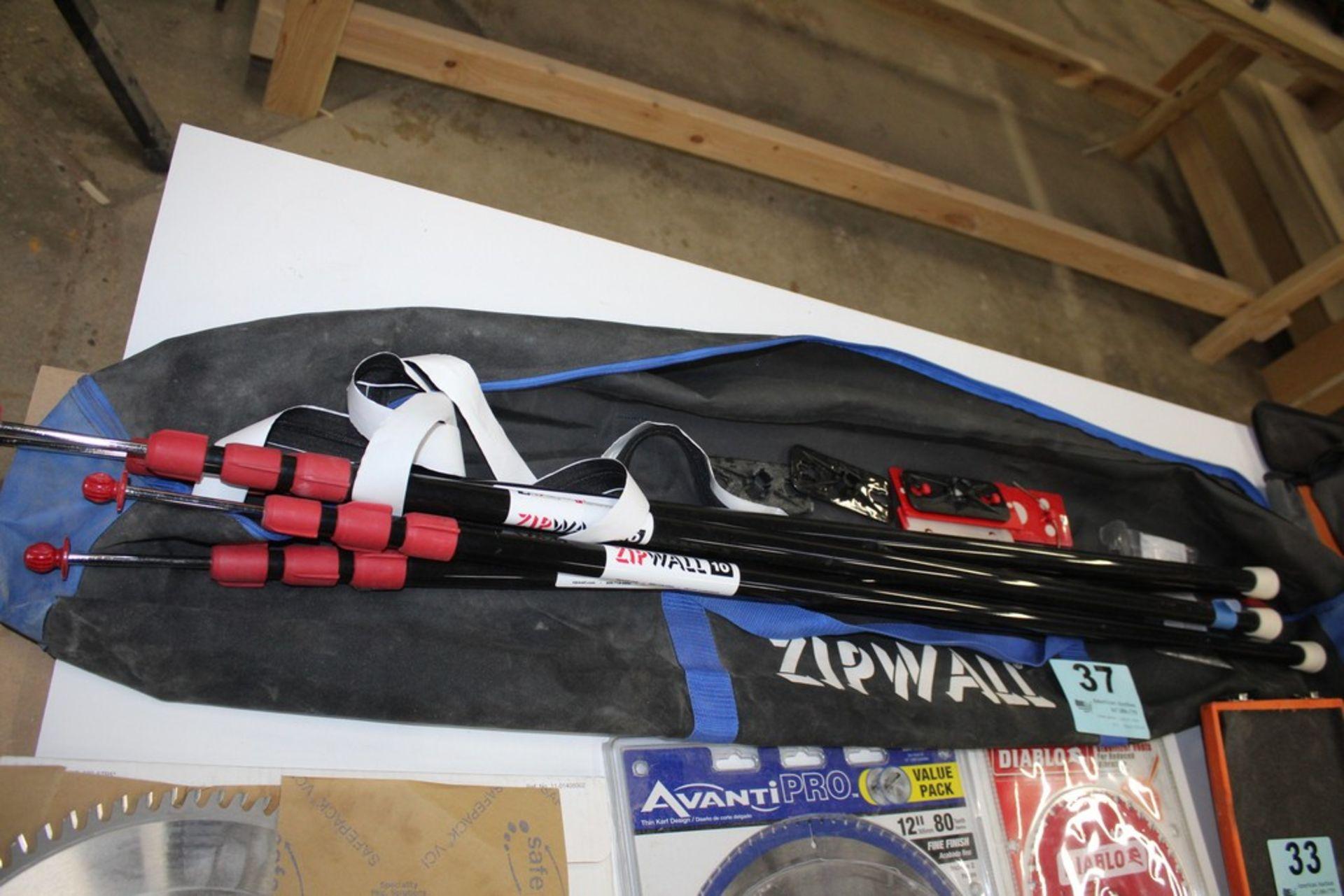 Lot 37 - ZIP WALL KIT