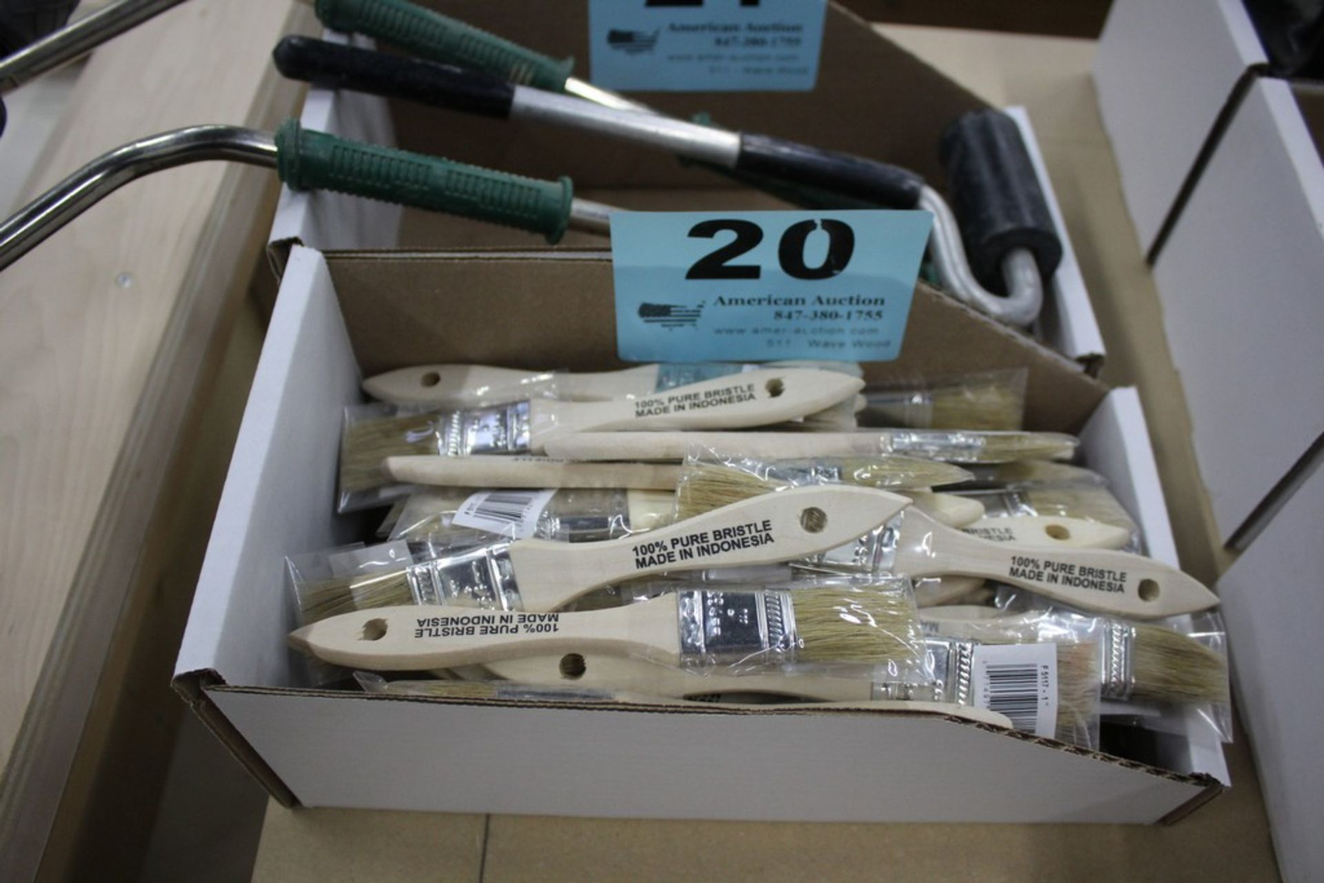 Lot 20 - LARGE QTY OF PAINT BRUSHES
