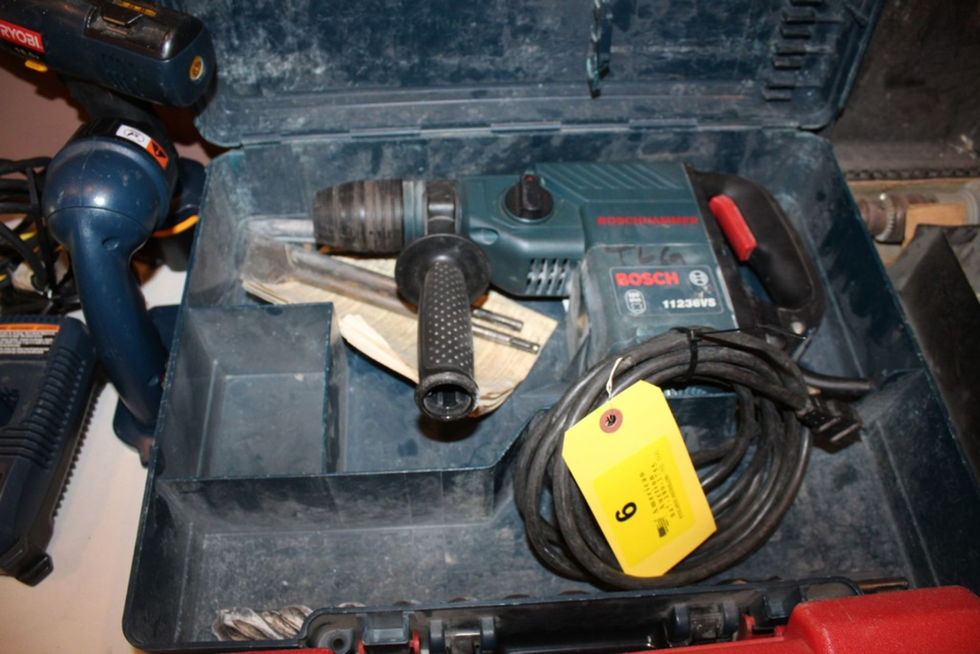 Lot 6 - BOSCH MODEL 11236VS HAMMER DRILL WITH CASE