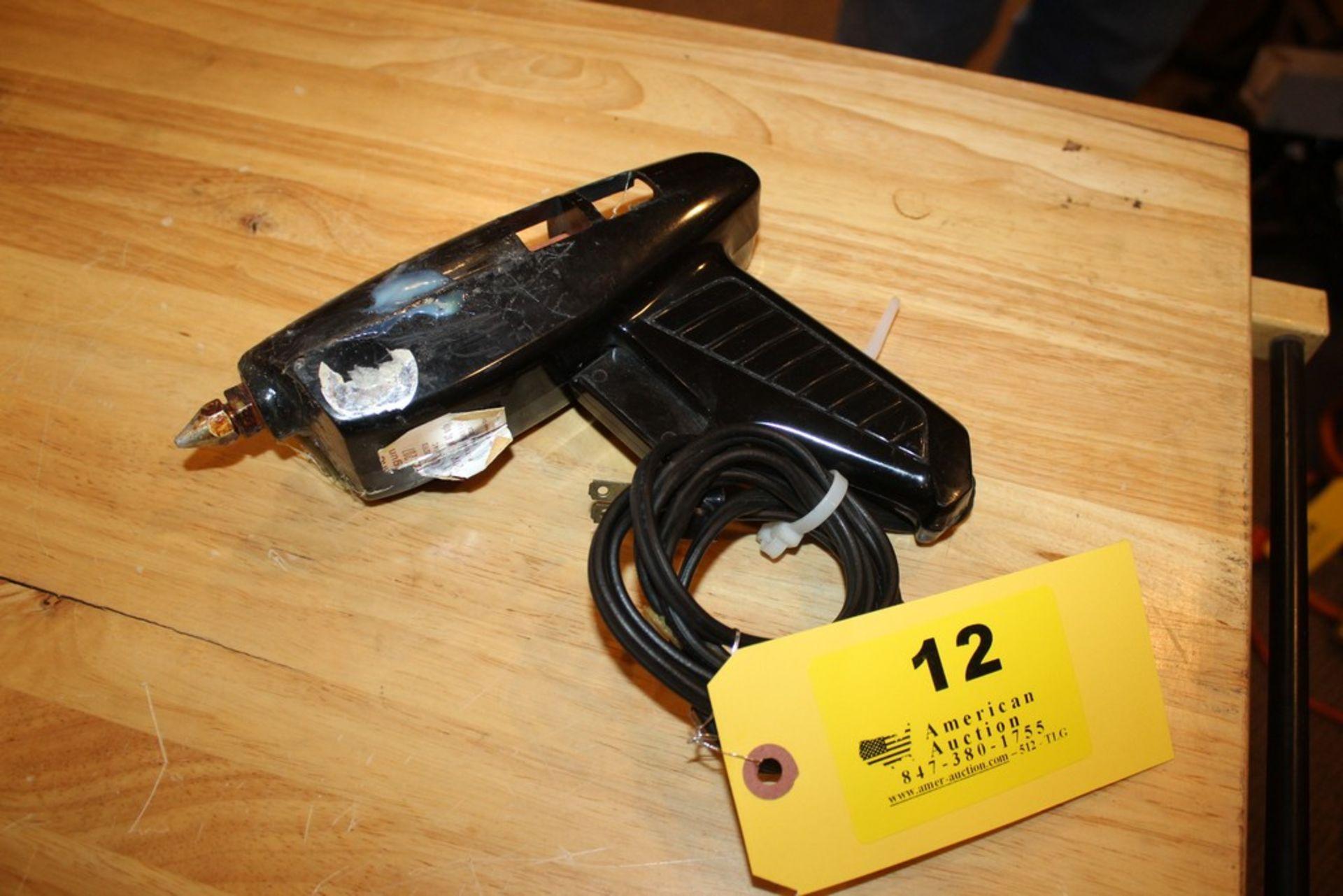 Lot 12 - ELECTRIC GLUE GUN