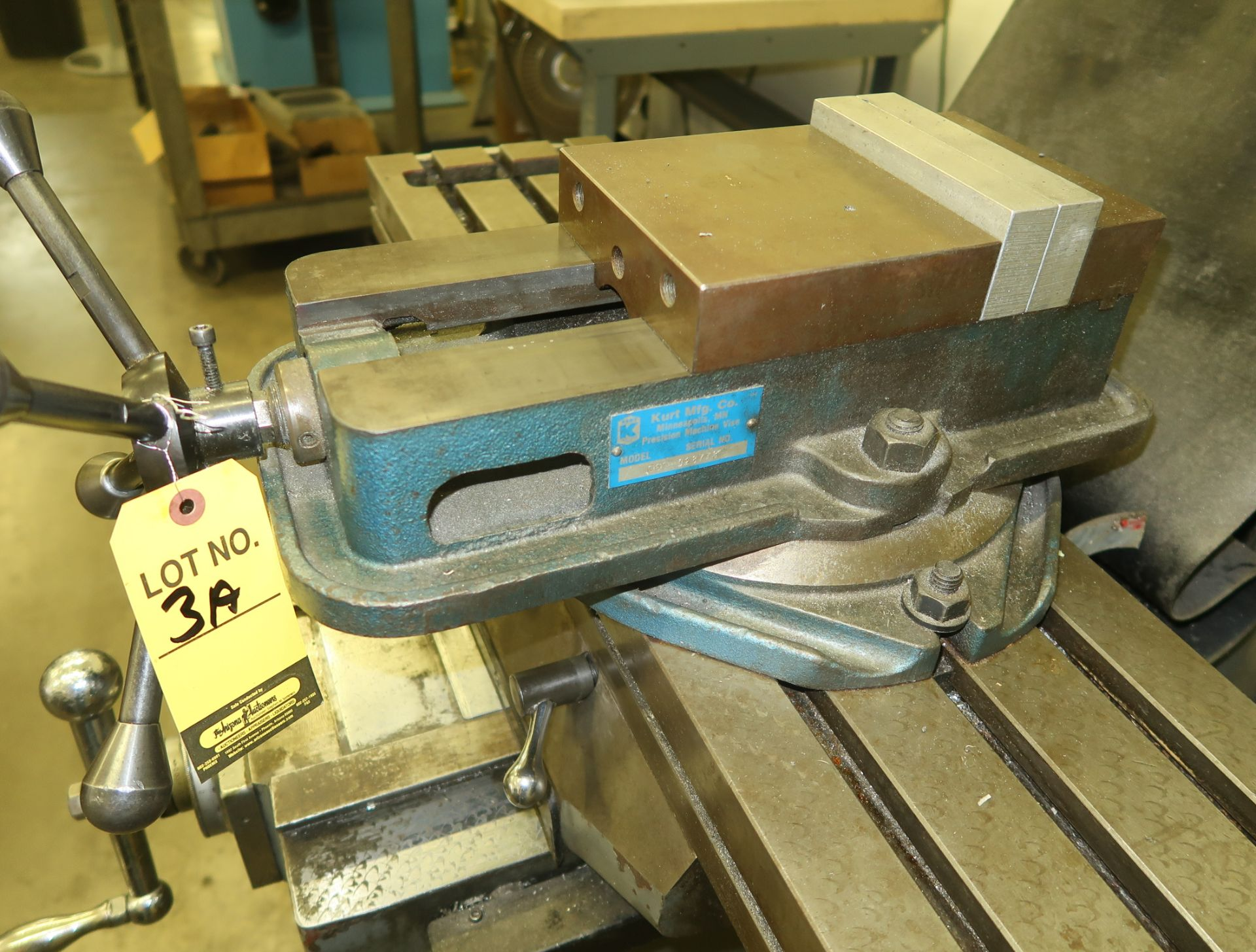 Lot 3A - KURT MILL VISE