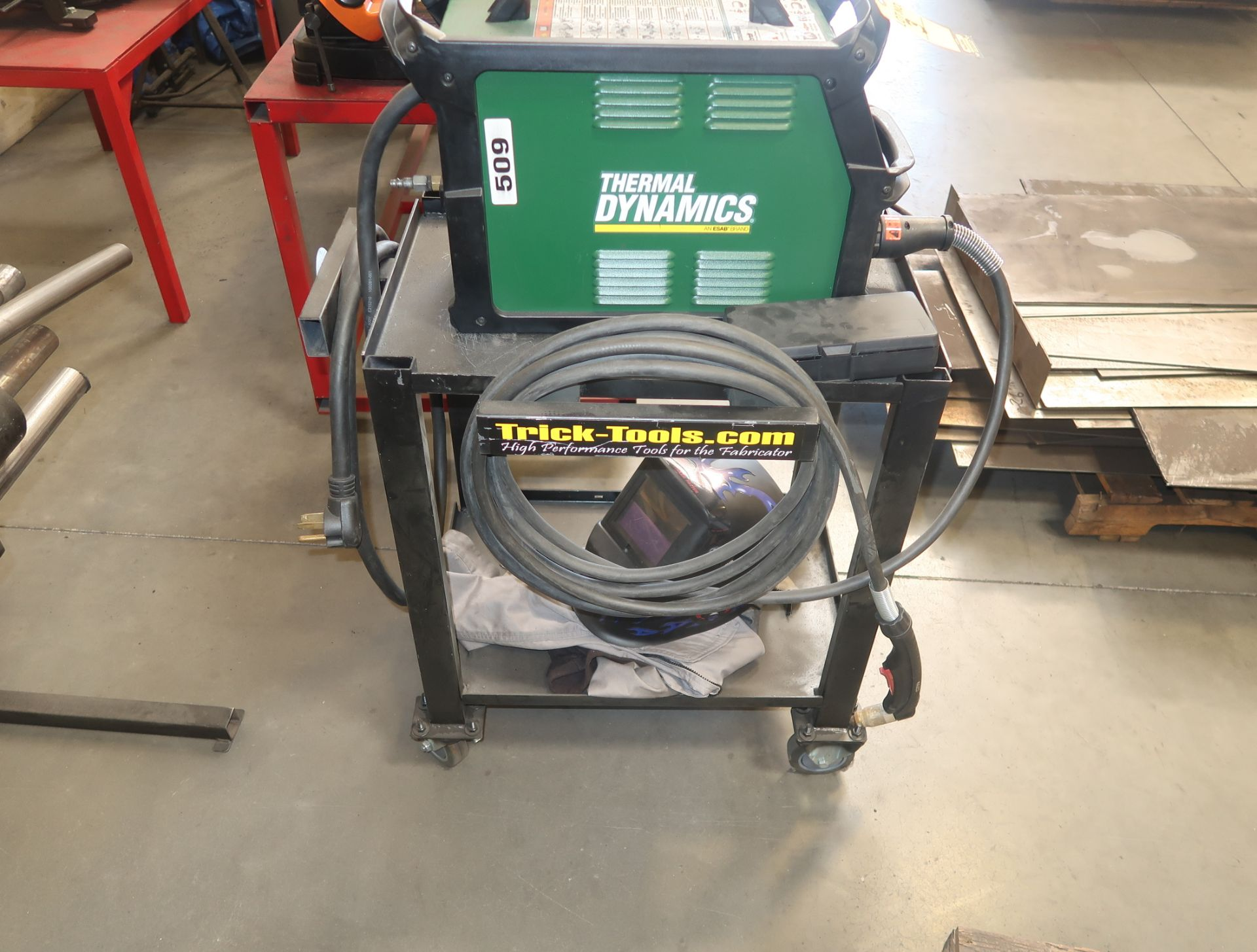 Lot 3 - THERMAL DYNAMICS CUTMASTER 60i PLASMA CUTTER W/ CART