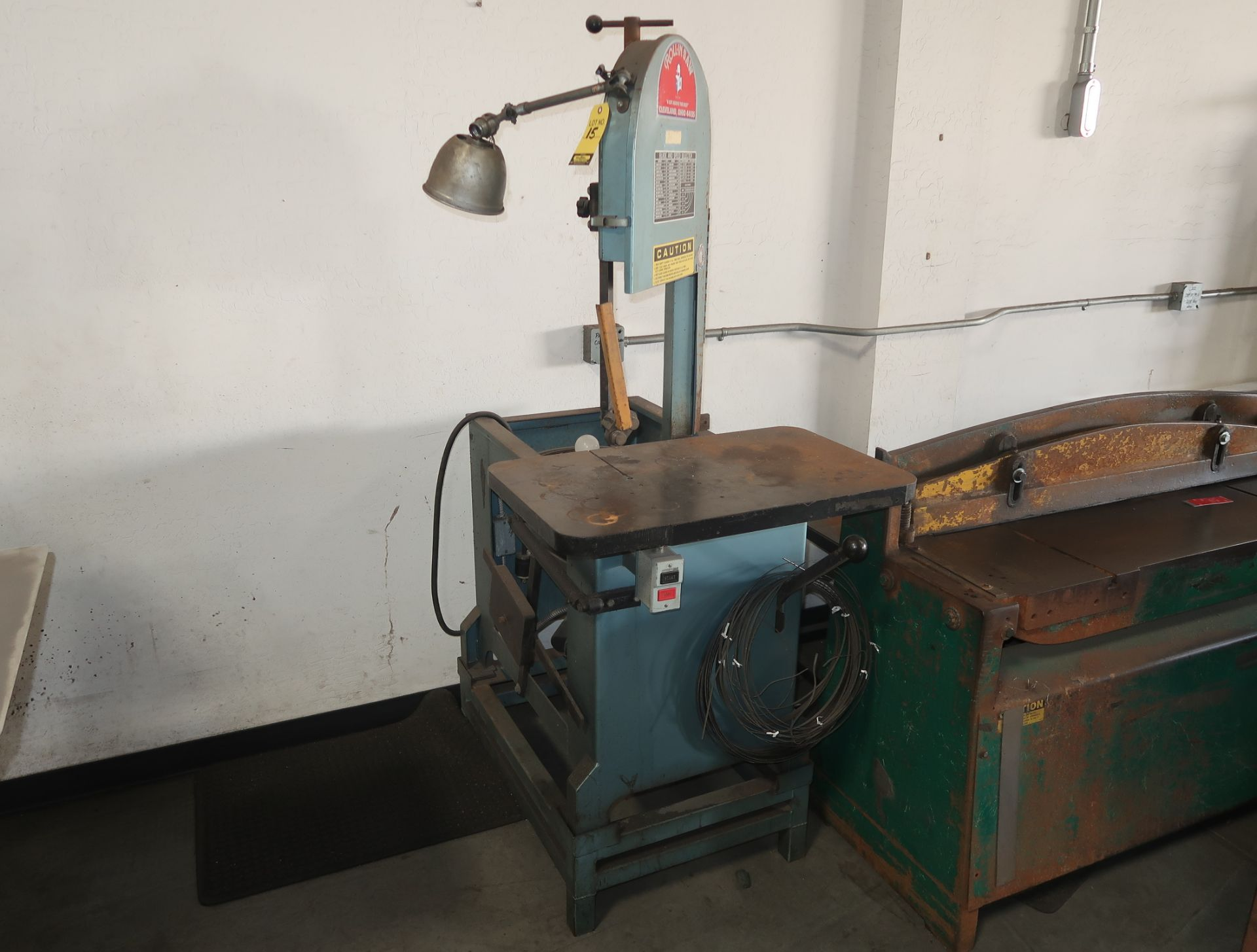 Lot 15 - ROLLIN SAW VERTICAL BANDSAW SN. 2783918