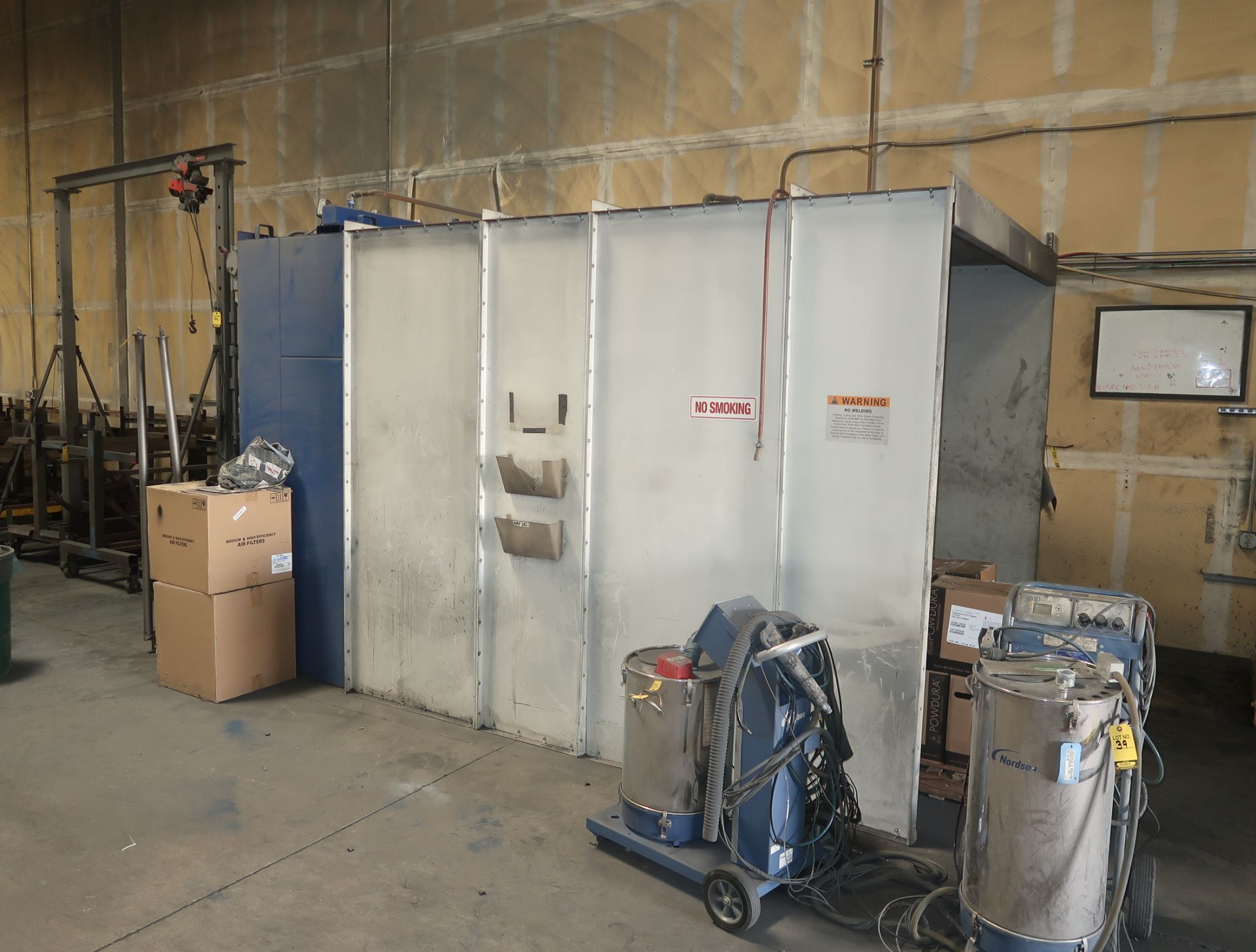 Lot 34 - GOLBAL FINISHING SOLUTIONS INDUSTRIAL SPRAY BOOTH 8'X8'X10' W/ PANEL MDL. PCDW-080810 SN. V400-18-A