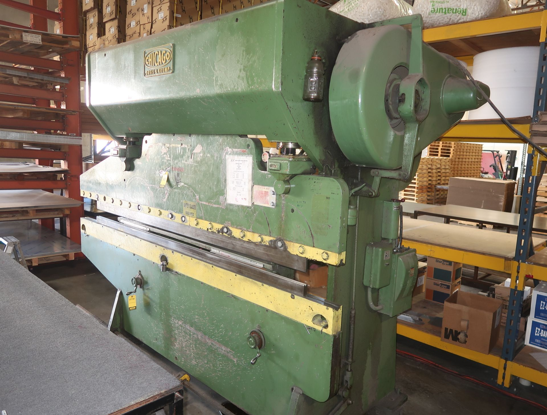 Lot 10 - CHICAGO 8' X 60TON PRESS BRAKE MDL. 68L SN. L11901