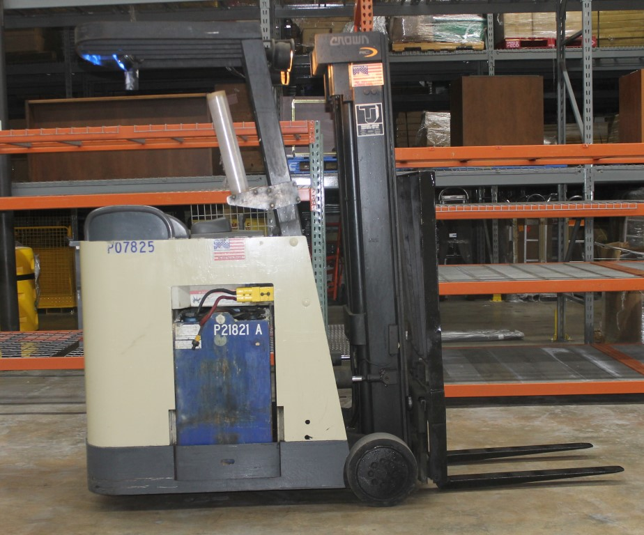 Lot 2 - 2003 CROWN 3000 LBS. CAPACITY ELECTRIC STAND UP FORKLIFT, (WATCH VIDEO)