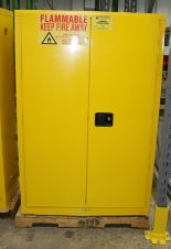 Lot 24 - 90 GALLON NEW FLAMMABLE SELF CLOSING SAFETY STORAGE CABINET