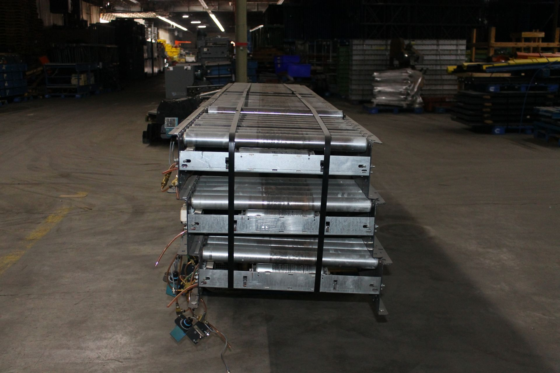 "Lot 14 - 36 FT OF 26""W POWERED CONVEYOR WITH MOTOR"