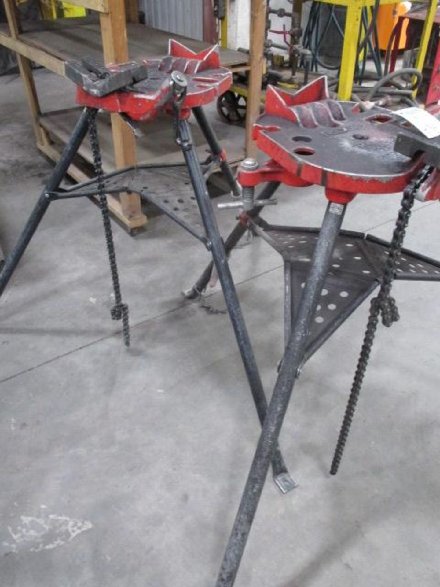 Lot 120 - 2 - Ridgid Chain Pipe Stands