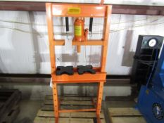 Central Hydraulic Jack 20 Ton Press with Tooling, Located in Hopkinton, IA