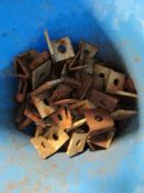 Bucket of (73) Angle Clips, Located in Mt. Pleasant, IA