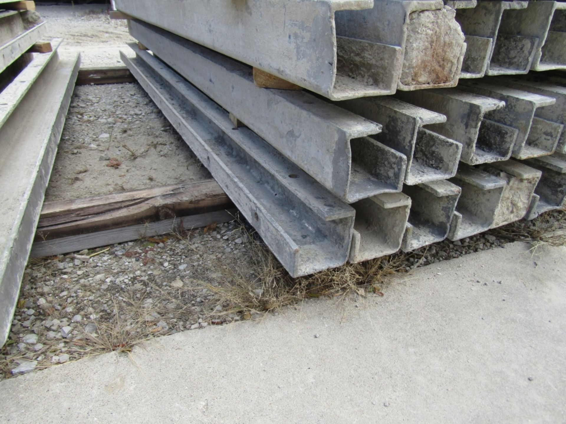 """(15) 4"""" x 4"""" x 8' Durand Concrete Forms, Inside Corners, Smooth 6-12 Hole Pattern, Full - Image 2 of 3"""