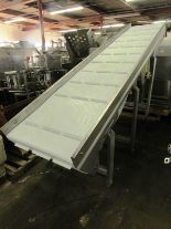 "Lot 56 - Stainless Steel Incline Conveyor, 32"" W X 13' L flighted plastic belt, 1"" high flights spaced 12"""
