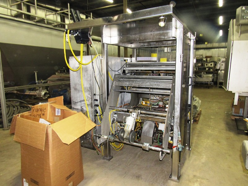 Lot 12 - Triangle Mdl. B35PR Vertical Form Fill & Seal Bagger, Ser. #120998, with 10 bucket scale,