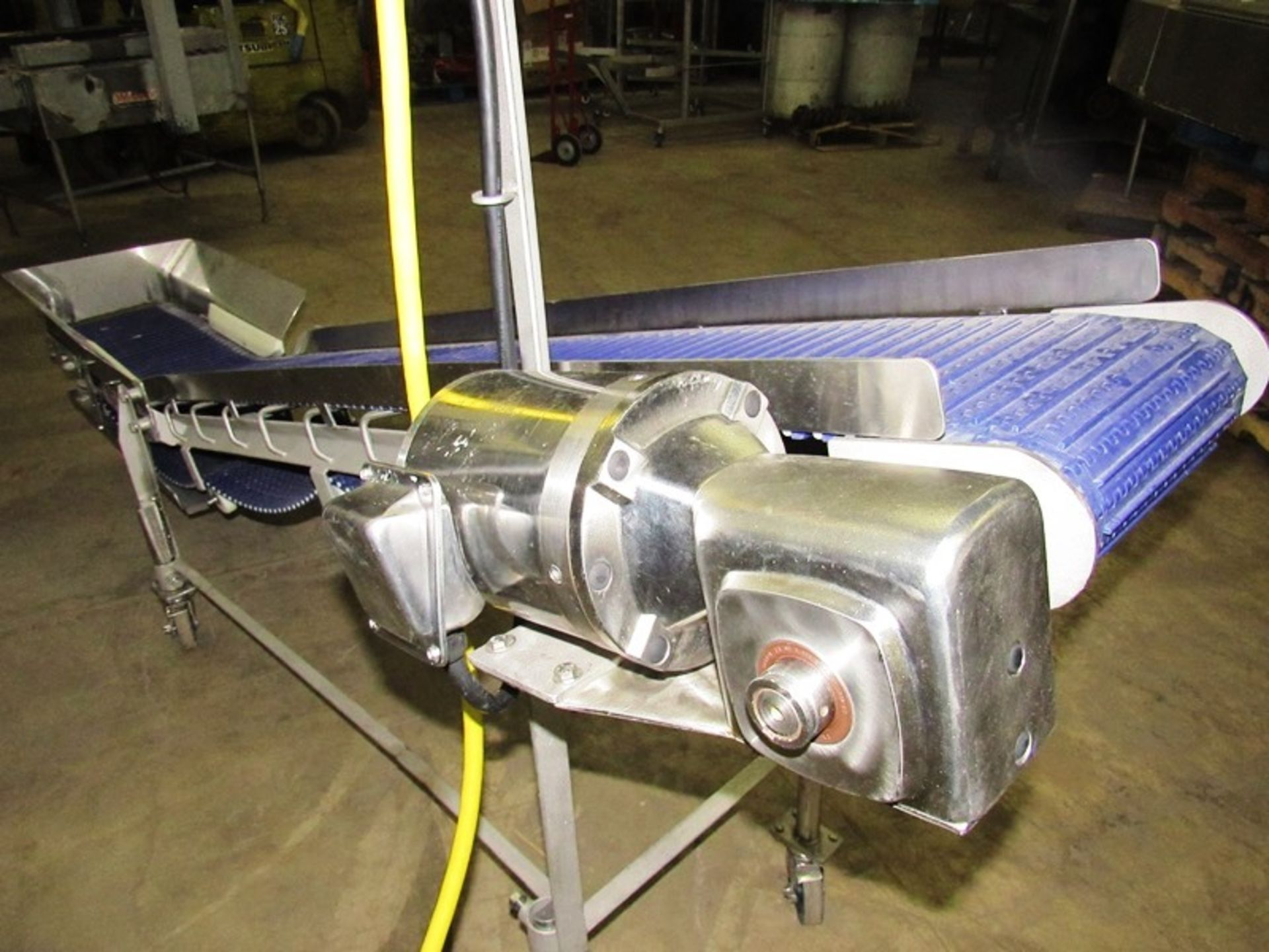 """Lot 4 - Stainless Steel Incline Conveyor, 12"""" W X 9' L cleated belt, 16"""" infeed height, 44"""" discharge,"""