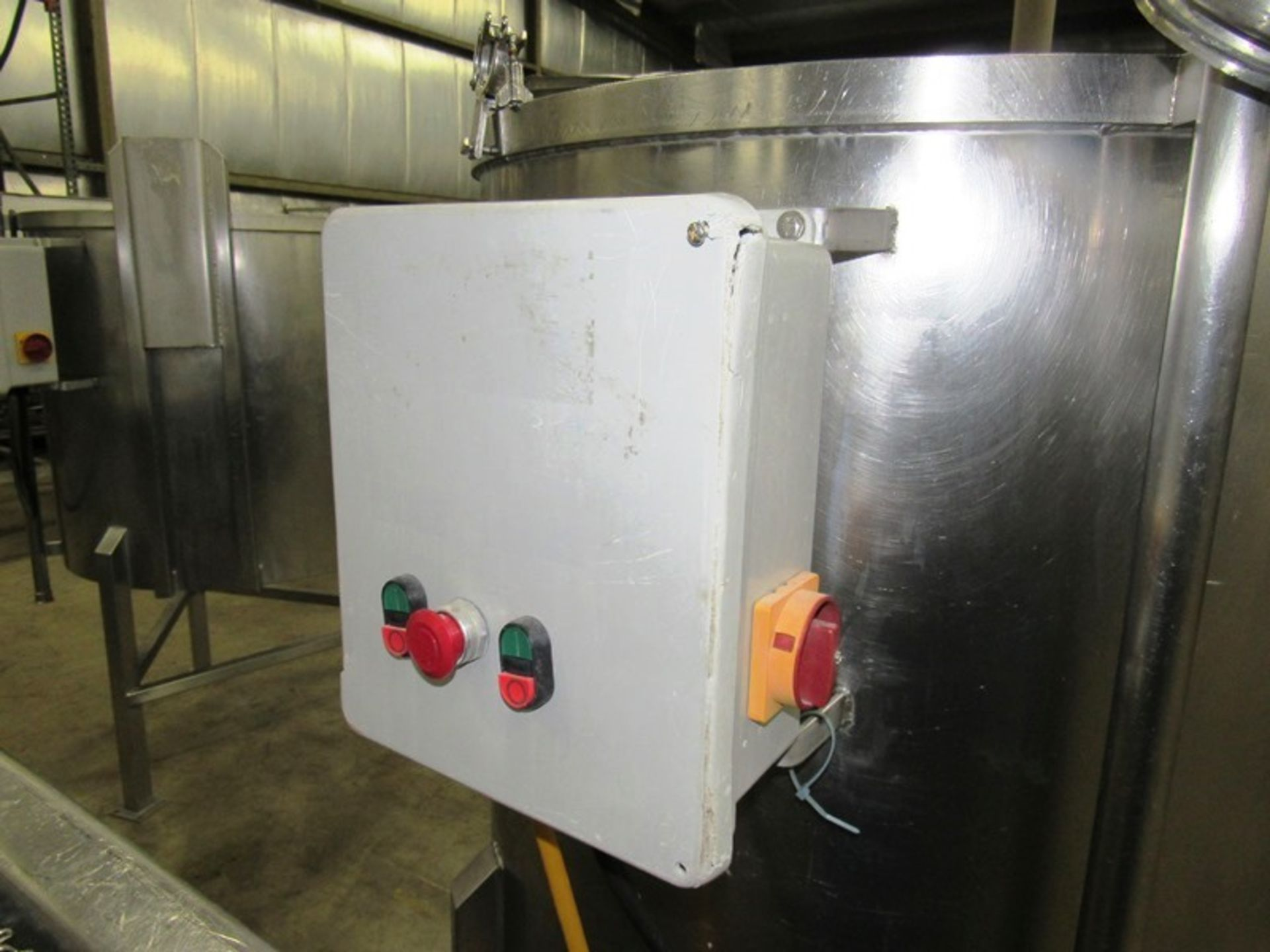 """Lot 24 - Stainless Steel Mix Tank, 38"""" dia. X 36"""" D flat bottom, 1"""" bottom outlet with Admix stainless"""