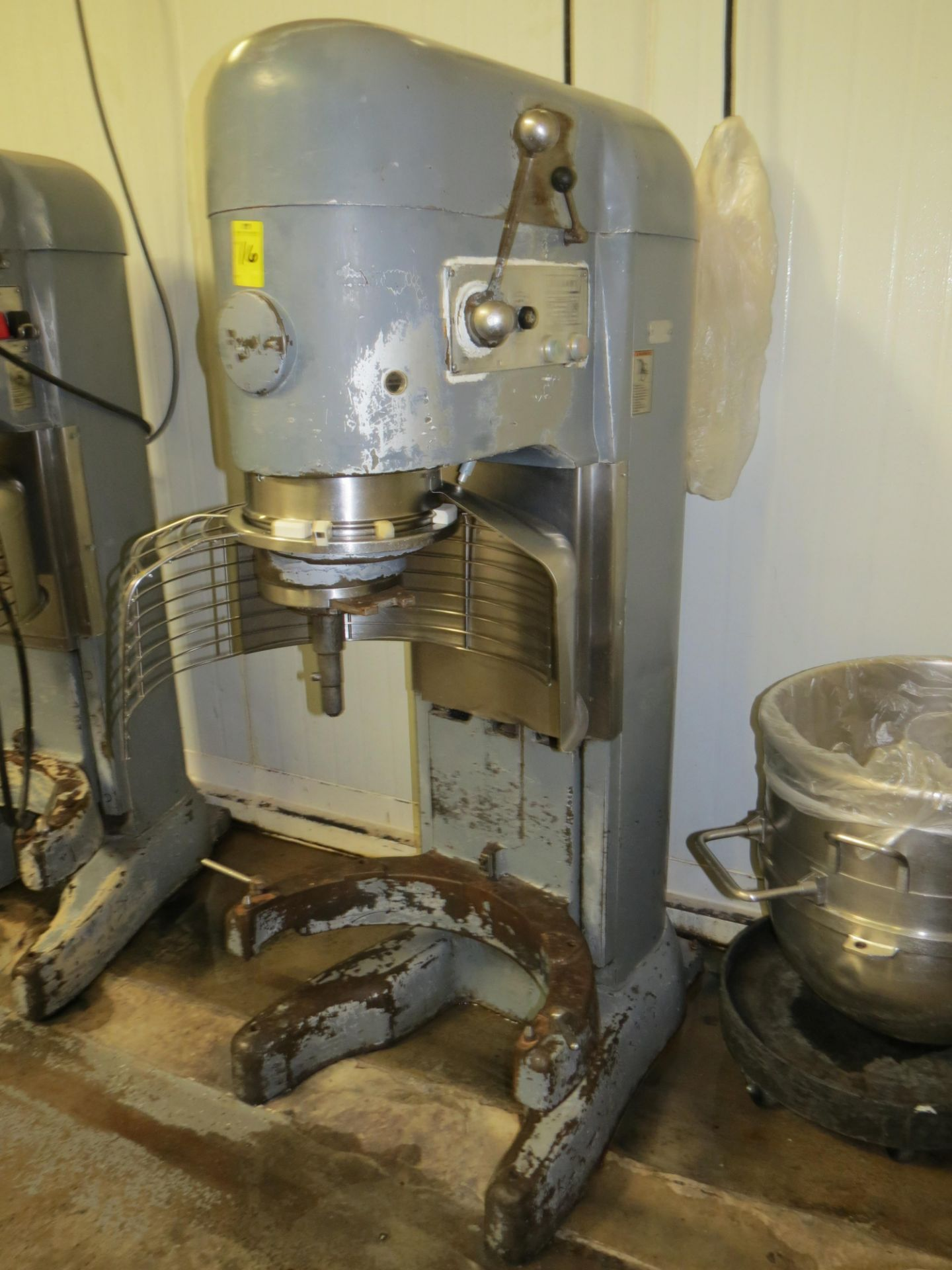 Lot 16 - HOBART V-1401 SERIES MIXER SN: 11-106-691