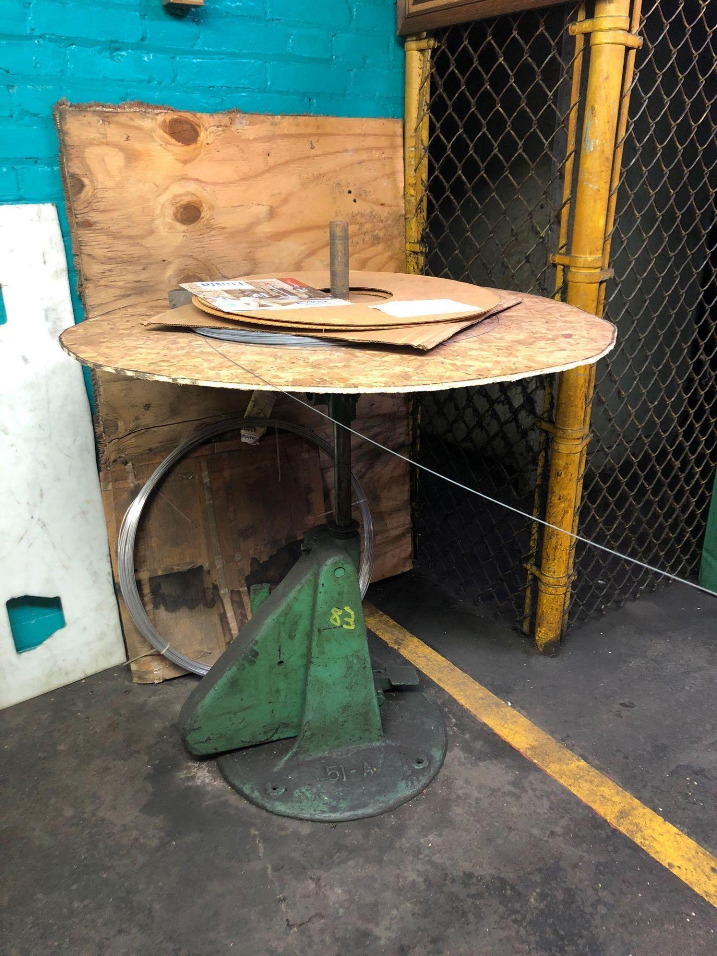 Lotto 4083 - Wire Uncoiler for Lot 82