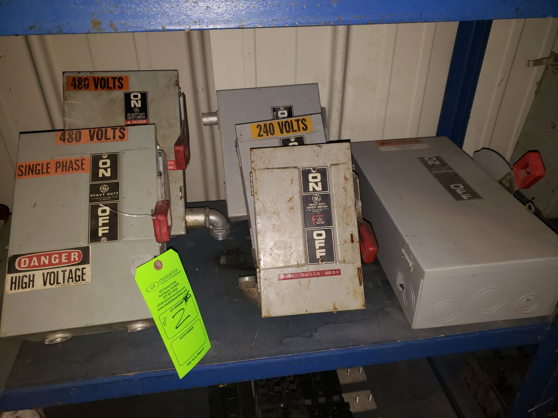 Lot 2 - (2) GE HEAVY DUTY SAFETY SWITCHES 30AMP/600V/20HP (4) GE SWITCHES 240V/30A/7.5HP