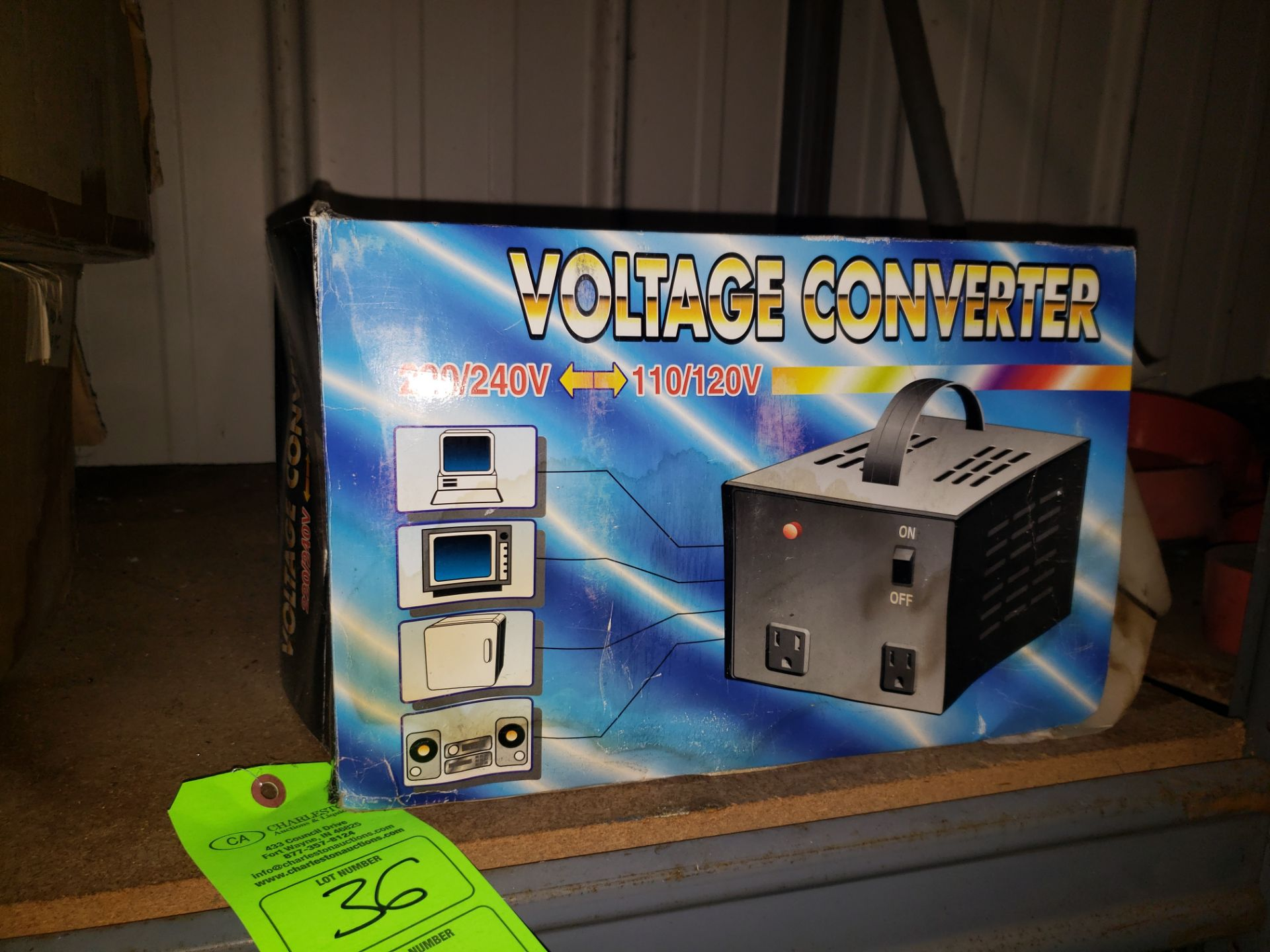 Lot 36 - VOLTAGE CONVERTER 220/240-110/120