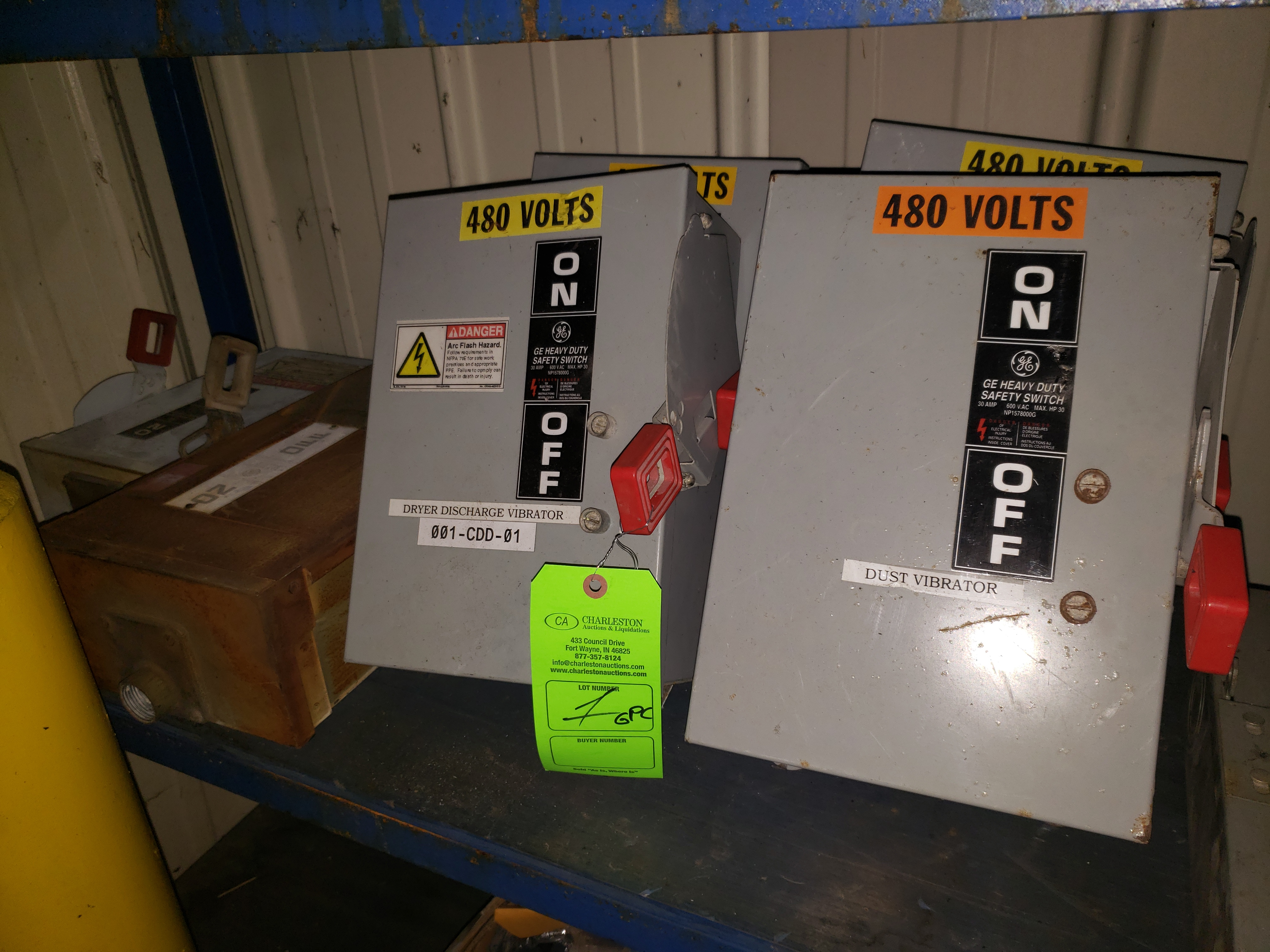 Lot 1 - (5) GE HEAVY DUTY SAFETY SWITCHES 30AMP/600VAC/30HP (2) GE SWITCHES
