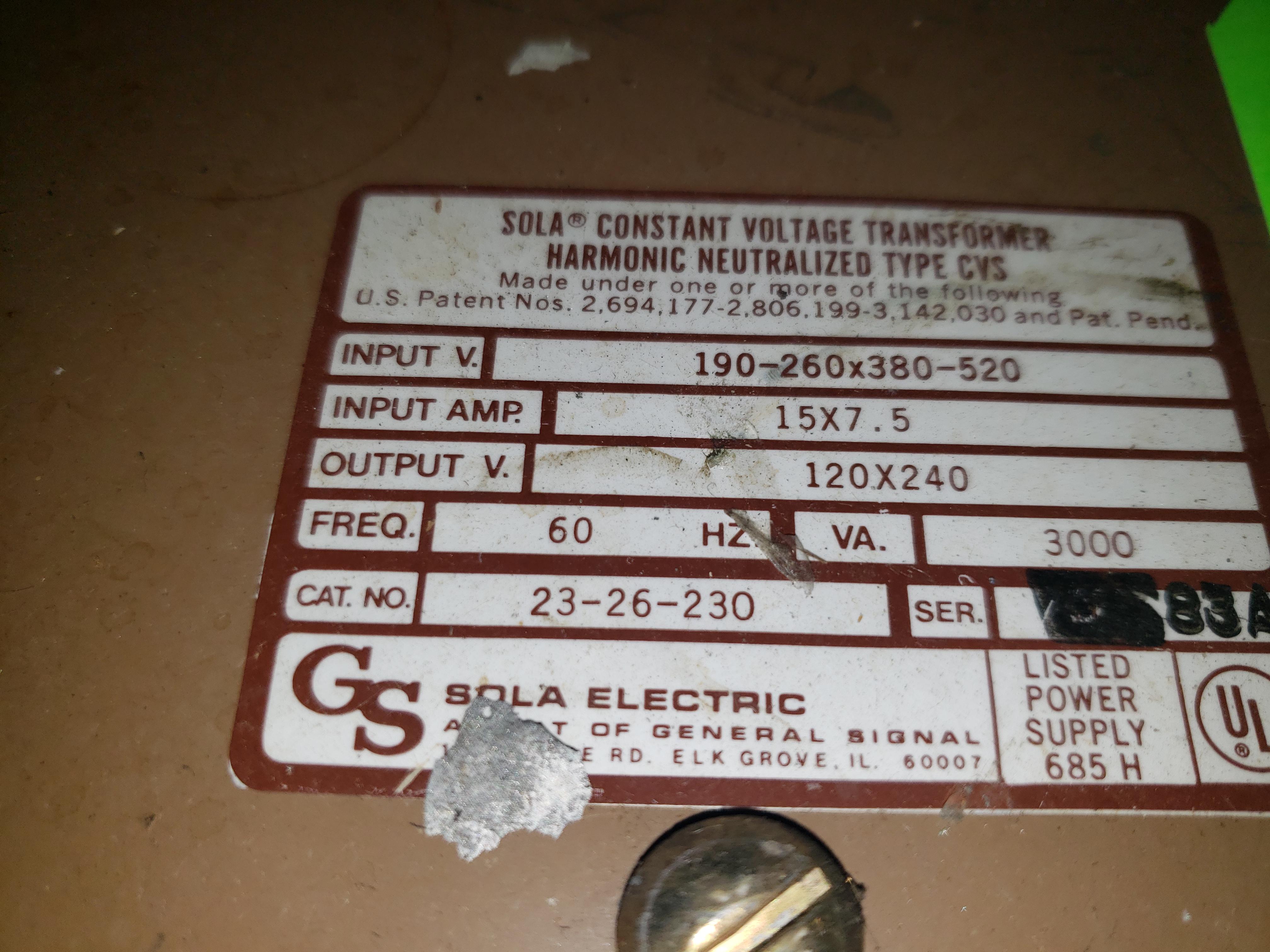 Lot 32 - SOLA CONSTANT VOLTAGE TRANSFORMER TYPE-CVS INPUT-190-260-X380-520 INPUT AMP 15 X 7.5 OUTPUT 120 X