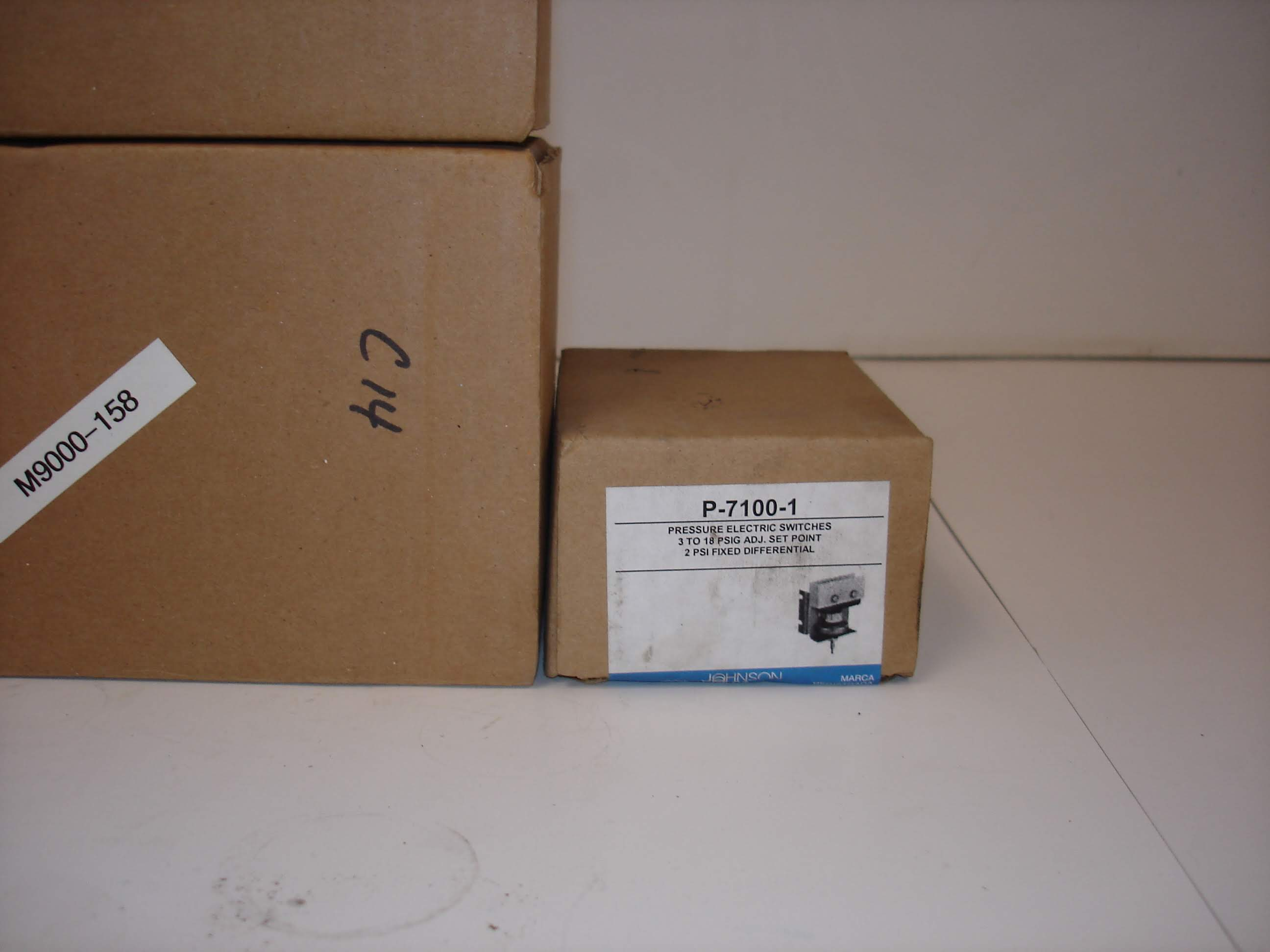 Lot 15A - (5) MISC JOHNSON CONTROLS KITS AND MORE: JOHNSON CONTROLS P-7100-1 AND ALL OTHER ITEMS INCLUDED IN