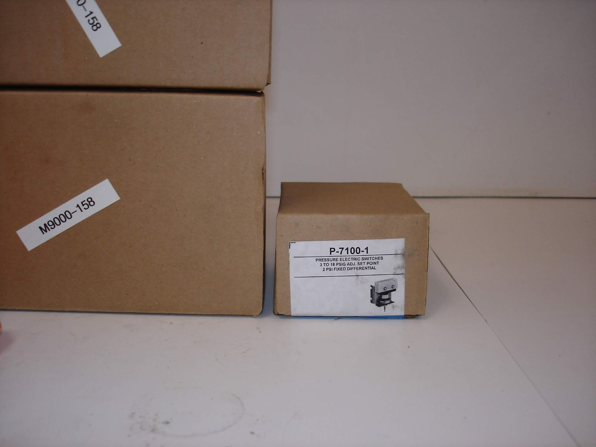 Lot 15B - (5) MISC JOHNSON CONTROLS KITS AND MORE: JOHNSON CONTROLS P-7100-1 AND ALL OTHER ITEMS INCLUDED IN