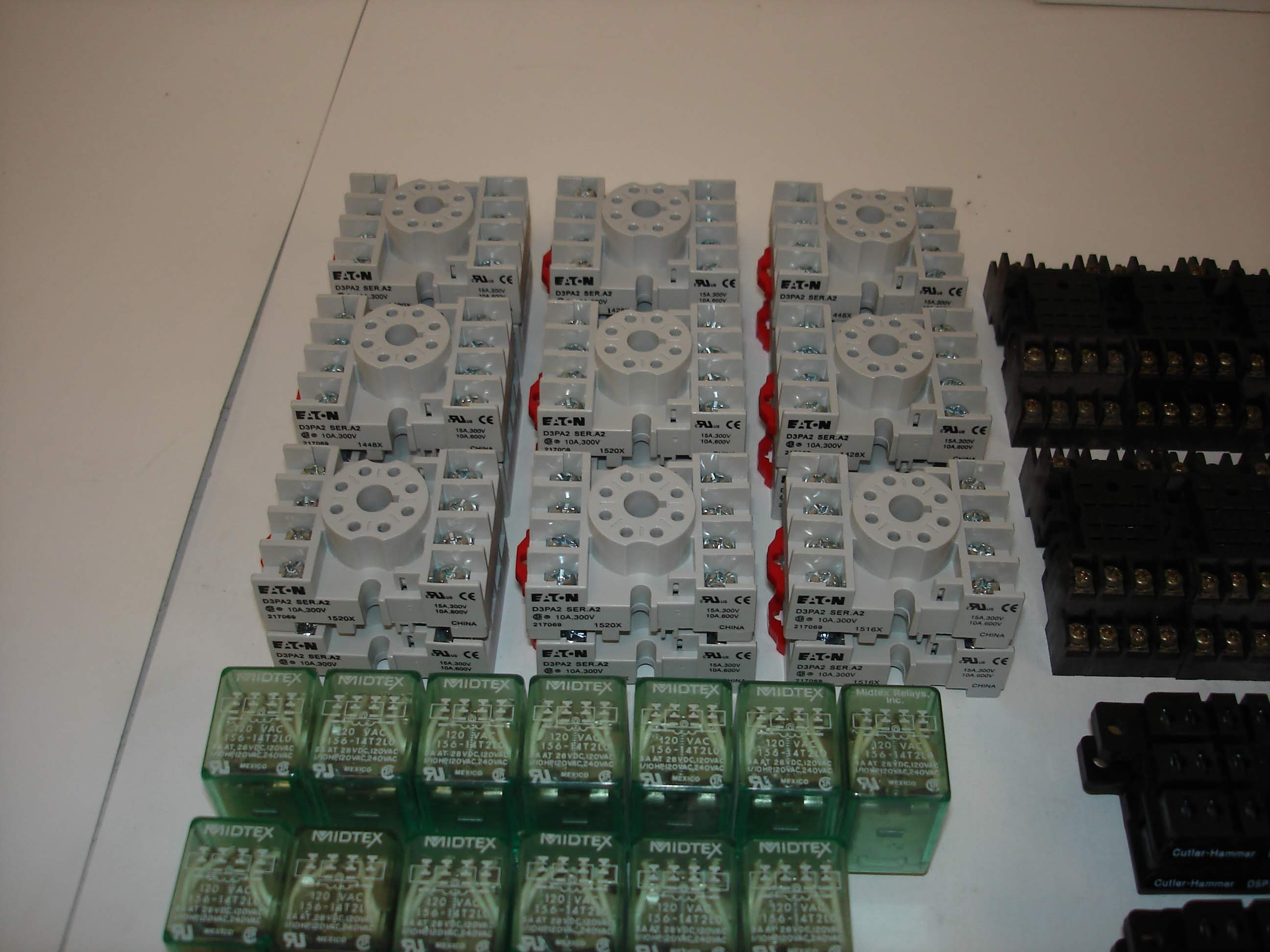 Lot 25 - (50+) MISC BRANDED RELAYS AND SOCKETS: EATON D3PA2 AND ALL OTHER ITEMS INCLUDED IN PHOTOS!