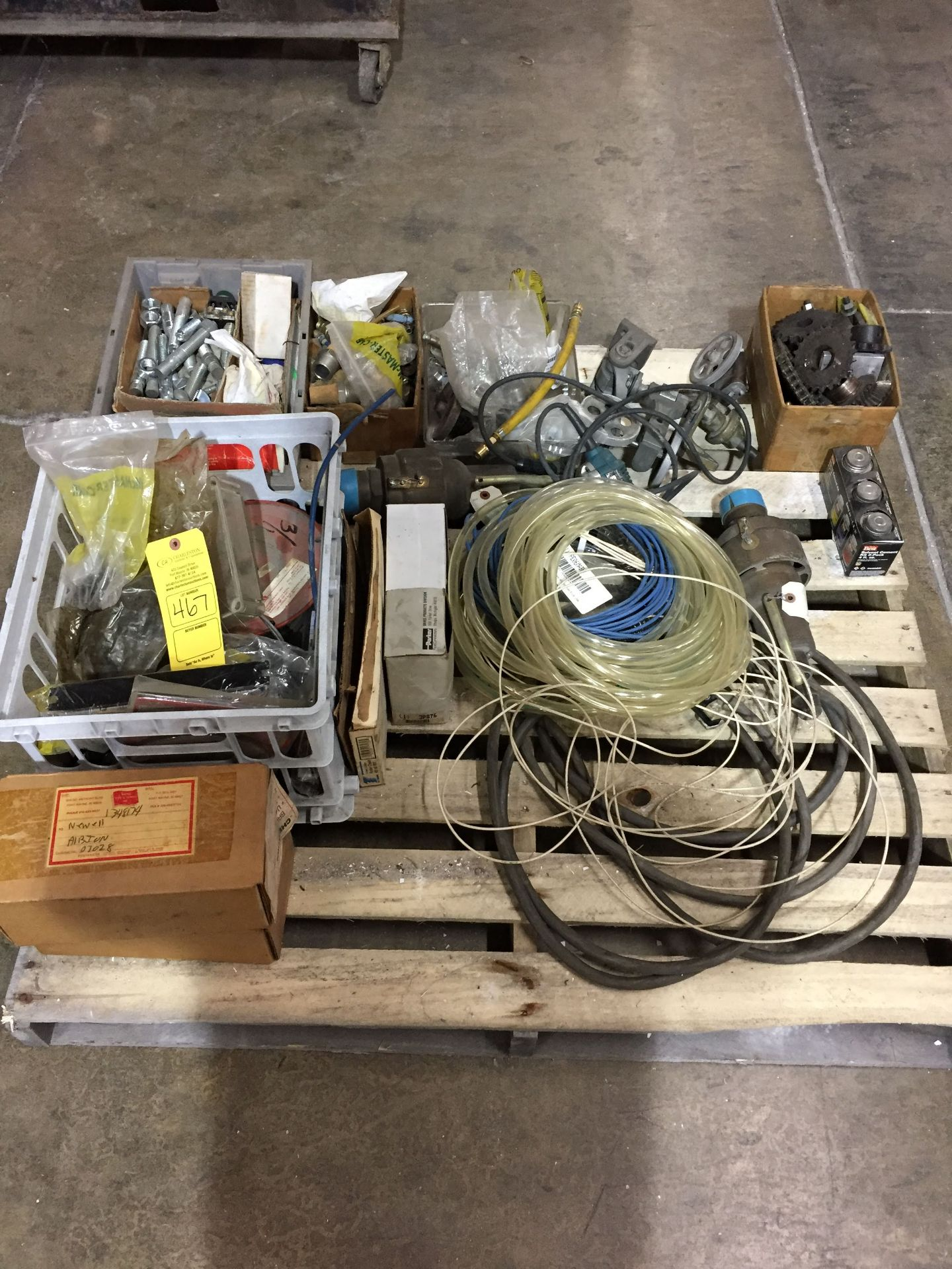 Lot 467 - PALLET OF MISC. INCLUDING AIR FITTINGS; ROUTER; CABLE & CHAINS