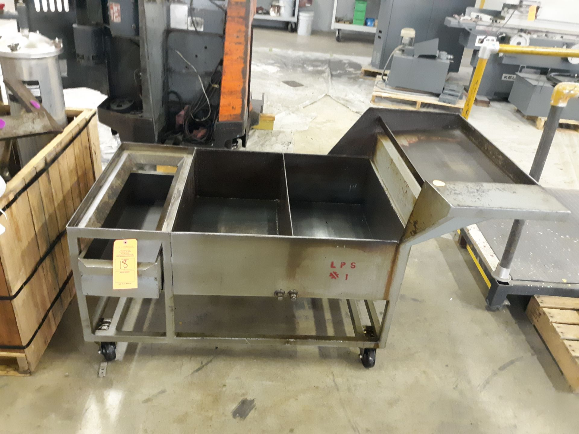 Lot 18 - ROLLING PARTS RESERVOIR W/ DRAINS: RIGGING FEE $10