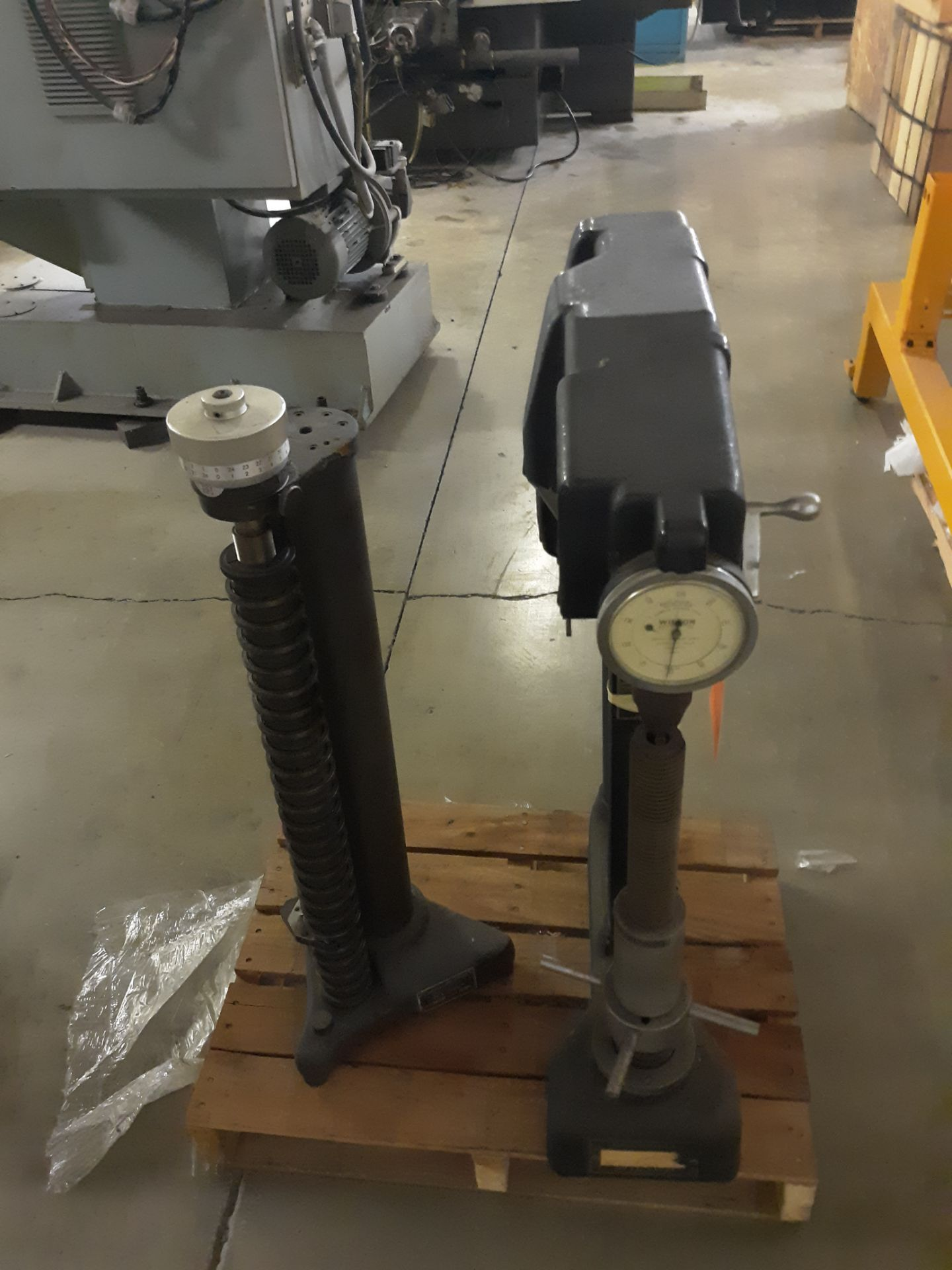 Lot 45 - WILSON ROCKWELL SUPERFICIAL HARDNESS TESTER & GADILLAC PLA-CHEK HEIGHT GAGE: RIGGING FEE:$10