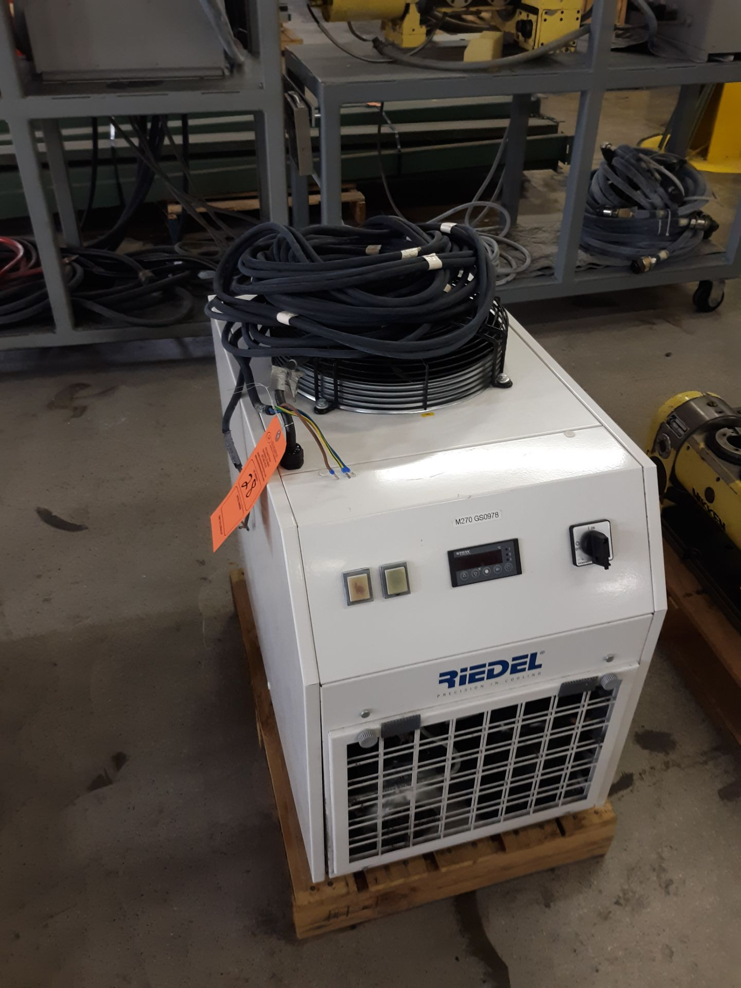 Lot 28 - RIEDEL AIR-COOLED RECIRCULATING CHILLER: RIGGING FEE: $10